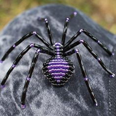 Beaded Spider Black and Purple Spider Ornament Purple | Etsy Beaded Jewelry, Beaded Necklace, Beaded Bracelets, Spider Decorations, Beaded Spiders, Beaded Crafts, Little Critter, Little Pets, Bead Art