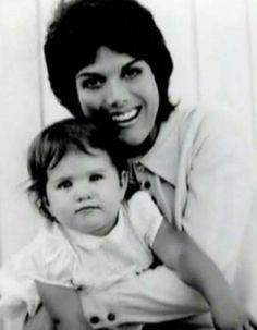 Young Nancy Dow with baby Jennifer Nancy Dow, The Beverly Hillbillies, John Aniston, Troubled Relationship, Popular Actresses, Actor John, Model Pictures, Jennifer Aniston, Brad Pitt