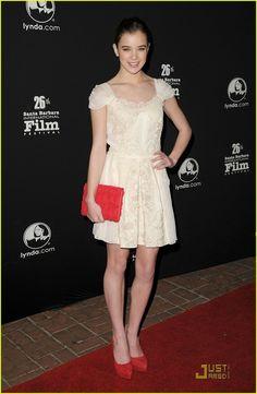 Hailee Steinfeld~~~ Love her dress!!!