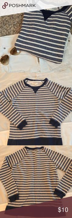 Striped nautical sweater Gently used women's striped sweater, size large but I'd say is more like a medium. Blue and white stripes with navy blue trim. Cotton blend. Gently used but no stains or rips, lots of life left in this sweater!  Would pair great with white jeans and gold sunglasses! Non smoking home. Make offer! Per Se Sport Sweaters Crew & Scoop Necks