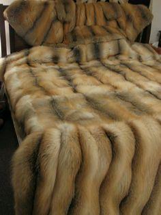 Big Knit Blanket, Fur Blanket, Warm Blankets, Knitted Blankets, Homemade Blankets, Fur Bedding, Comforter, Fox Fur Coat, Fur Coats
