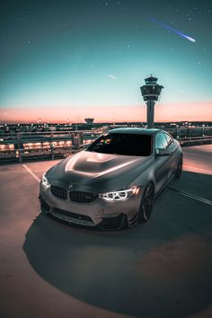 BMW M4 - Nachtshooting am Flughafen unter Sternenhimmel. #bmw #m4 #carphotography Bmw M4, Around The Worlds, Sky, Instagram, Design, Autos, Landing Gear, Starry Night Sky, Rolling Stock