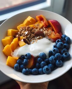 Ilona niina on aaaand another yogurt bowl this wasnt this mornings breakfast it was actually from last week because this morning i made a new epic banana and nutella sushi Healthy Meal Prep, Healthy Eating, Healthy Foods, Stay Healthy, Healthy Breakfast Choices, Food Goals, Aesthetic Food, Food Inspiration, Love Food