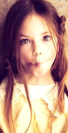 Mackenzie Foy  #Twilight #Breaking #Dawn
