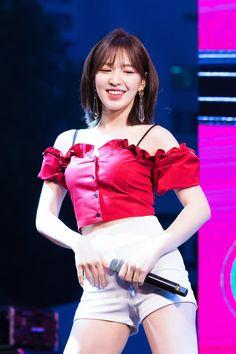 Seulgi, Olaf, Kpop Girl Groups, Kpop Girls, Wendy Red Velvet, Velvet Fashion, Stage Outfits, Kpop Fashion, Trendy Fashion