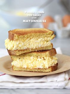 you're a fan of Mayonnaise or Miracle Whip, this egg salad recipe suits both cravings.Whether you're a fan of Mayonnaise or Miracle Whip, this egg salad recipe suits both cravings. Egg Salad Sandwich Recipe With Relish, Egg Salad Sandwiches, Soup And Sandwich, Wrap Sandwiches, Sandwich Recipes, Vegetarian Sandwiches, Egg Salad Recipe Miracle Whip, Egg Mayo Sandwich, Paninis
