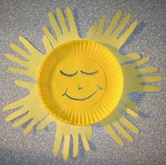 Easy DIY Paper Plates Crafts For Kids to decorate kids room and class room. Kids crafts ideas to make paper plate fishes,sun,moon and clown Kids Crafts, Sun Crafts, Daycare Crafts, Sunday School Crafts, Summer Crafts, Toddler Crafts, Crafts To Do, Craft Projects, Arts And Crafts