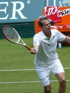 Peter hjalper brittisk tennis