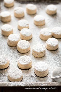 Italian Desserts, Mini Desserts, Delicious Desserts, Biscotti Cookies, Almond Cookies, Nutella Biscuits, American Cookie, Biscuit Recipe, My Favorite Food