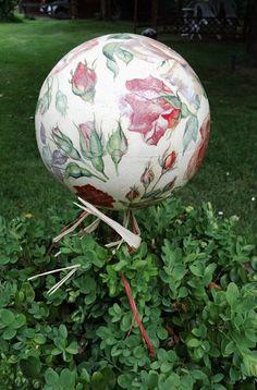 Rosenkugel (Styroporkugel auf Holzstab mit Serviettentechnik…