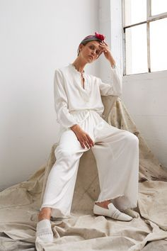 See the complete Raquel Allegra Resort 2018 collection.