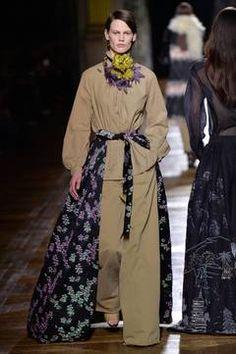 Dries van Noten – Paris Fashion Week 2015 Trendreport - die Kollektionen der Modedesigner im Überblick. flair berichtet live von der Paris Fashion Week