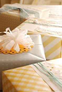 adorablelife:    letsdriftaway:    thelaundryroom:    Wallpaper Origami Boxes ~ via blog.craftzine.com