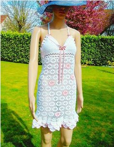 Summer dress decorated with flowers in crochet. by MinaBenDesign, It Goes On, Spanish Style, Shoulder Length, Maid Of Honor, Pale Pink, Bodice, Give It To Me, Unique, Summer Dresses