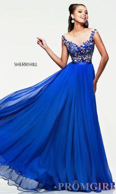 Die blaue Farbe, der Schnitt des Kleides - es gibt nichts, was ich nicht an diesem Kleid liebe