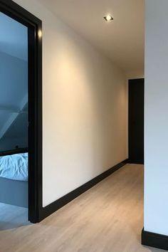 Black Trim Interior, Interior Door Trim, Interior And Exterior, Black Baseboards, Dark Doors, Dark Trim, Style At Home, House Colors, Home Deco