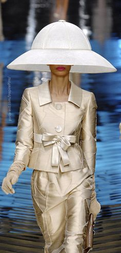Couture Spring 2008 - Valentino ~ hat is runway theater :)
