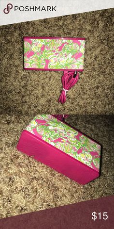 Lilly Pulitzer Bluetooth speaker Like new! Comes with aux cord Lilly Pulitzer Other