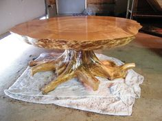 This is a maple burl table with a birch stump base. Rustic Log Furniture, Twig Furniture, Live Edge Furniture, Diy Furniture Projects, Furniture Design, Wood Resin Table, Wood Slab Table, Wood Table Design, Wooden Dining Tables
