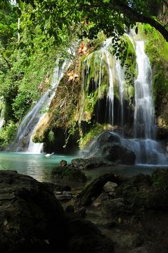 Batlag Falls, popular tourist attraction in Tanay, Philippines (by Jemson).