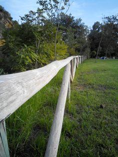 Detalle de una valla del parque Riberas del Guadaira.