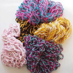 Textile lessons 'Lol met Wol' loom arm knitting. Photo: Larsia Braakman