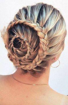 Hairdo #braid #bun #knot #vlecht #haar #hairdo #hair #kapsels #beauty #kapsel