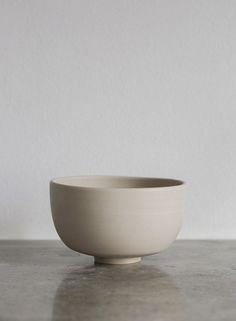 Minimalist Ceramics by Ida Svardstrom x Melo Studio • Design. / Visual.