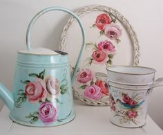 regadera 5lts. bandeja ovalada. florero num 1 Decoupage, Diy Cans, Good Old, Creative Inspiration, Painting On Wood, Flower Pots, Decoration, Tea Pots, Craft Projects