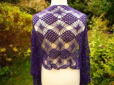 The updated pattern with written instructions and colour-coded charts is currently available to test crochet.