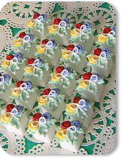 Cookies 'N Cream: Petite Rose Bouquet Hand Decorated Sugar Cubes