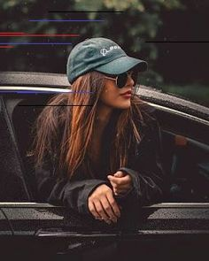 Cute cars photos are offered on our site. Take a look and you wont be sorry you did. Photo Pour Instagram, Instagram Pose, Portrait Photography Poses, Photography Poses Women, Selfie Photography Ideas, Teen Girl Photography, Stunning Photography, Portrait Poses, Car Photography