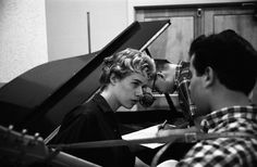 Check Out These Never Before Seen Photos Of Carole King #AmericanSongwriter #Songwriting