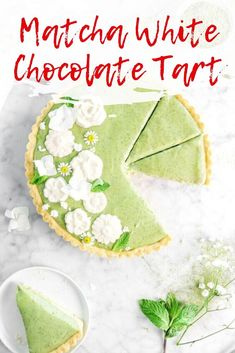 This simple tart consists of pantry staple ingredients, a good amount of matcha, and a bit of white chocolate for an extra special dessert that nobody will forget. It's so good and very easy to make! Every bite is layered with sweet vanilla notes from the white chocolate, a deliciously smooth and earthy taste from the matcha, and a simple; yet buttery and melt-in-your-mouth crunch from the crust. Honestly, this tart is perfect for any and all occasions. From birthday's to holiday's like… Best Easy Dessert Recipes, Easy Desserts, Delicious Desserts, Best Matcha, Mocha Recipe, Banana Cheesecake, Baked Oatmeal Cups, Healthy Breakfast Options, Baked Eggplant