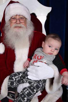 Un bébé indifférent au père noel !!!