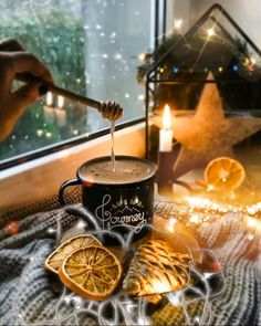 Warm relaxing drink in the winter Good Morning Gift, Good Morning Coffee Gif, Good Morning Winter, Good Morning Flowers, Good Morning Greetings, Coffee Time, Good Night Gif, Good Night Image, Happy Birthday Wishes Cake