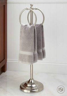 Gentil This Standing Towel Ring Gives You A Stylish And Convenient Way To Store  Your Bath Towels Right Next To Your Clawfoot Tub. Just Pick Up Your Towel  After A ...