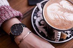 Daniel Wellington & Coffee #coffeeart #danielwellington #watch #style #winter #black #cozy #blogger