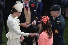 Pin for Later: Kate et William Se Rendent à la Garden Party de la Reine