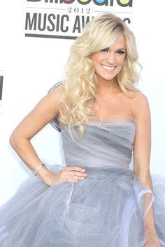 Carrie Underwood-love her hair!