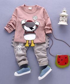 Buy Funtoosh Kidswear Duck Printed TShirt & Bottom Set Peach & Beige for Boys Years) Baby Boy Clothing Sets, Baby Doll Clothes, Cute Baby Boy Outfits, Kids Outfits, Baby Girl Fashion, Kids Fashion, Gents T Shirts, Baby Overalls, Hoodie Outfit