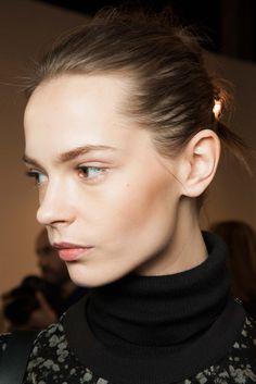 Isabel Marant Fall 2015 Ready-to-Wear - Beauty - Gallery - Style.com