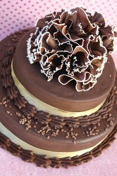 Wedding Cake: Chocolate mousse with chocolate ruffles :)