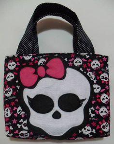 Bolsa Skullette - Monster High - Sob encomenda - http://www.elo7.com.br/bolsinha-skullette-monster-high/dp/357F1E