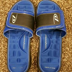 Shoes Men's slip on size 9. Very comfortable. Proplayer Shoes Slippers