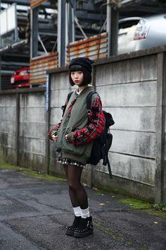 Lovely soft colors and details. Japan Street Fashion, Tokyo Fashion, Harajuku Fashion, Kimono Fashion, Cute Fashion, Harajuku Girls, Retro Fashion, Style Grunge, Grunge Goth