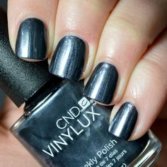 CND Contradictions VINYLUX Weekly Polish Collection - 'Grommet'