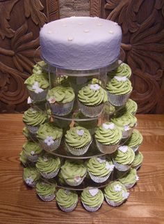 Vintage wedding cupcakes in lavender and green