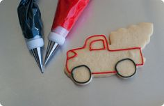 Beep! Beep!  It's Christmas! Bake at 350 cookie artisan shows us how to make this really beautiful truck with tree cookie !!! She tells you where to purchase the cutter and the recipe for the cookie and of course, how to use royal icing to Decorate (paint with piping bags!!!) your cookie!  Thank you Bake at 350!  You are one of my favorite artisans!!!