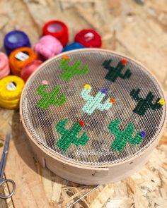 Cross Stitch Embroidery, Diy And Crafts, Hogwarts, Roses, Garden, Ideas, Cross Stitch, Cross Stitch Bookmarks, Punto De Cruz